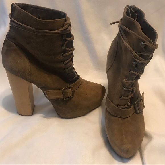 d73aa3d0543 Steve Madden Carnaby Tan Suede chunky heel boots 8